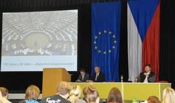 Europoslanec Pospíšil diskutoval se studenty EF o Evropském parlamentu i o uprchlících
