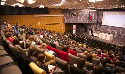 """Studenti EF se mohou zúčastnit konference na téma """"Balkán"""""""