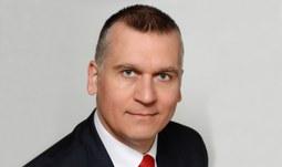"""Přednáška """"OTÁZKA PŘIJETÍ EURA V ČR Ekonomická konvergence  k Eurozóně, přijetí eura  a Evropského fiskálního paktu"""""""